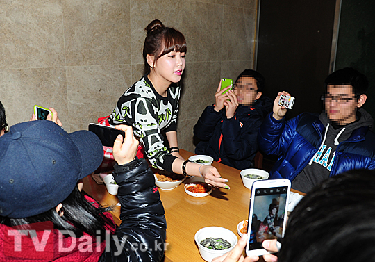 t-ara rice cake soup event pictures (13) - Copy